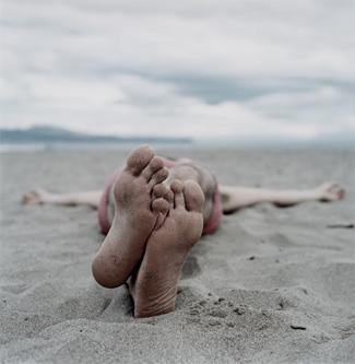 20051024154030-pies-en-la-playa-jpg